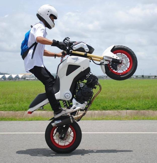 Stand Up Wheelie On The Grom Honda Grom Forum